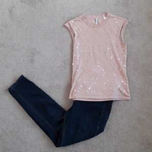 Tops - Iisli cute pink sparkly top